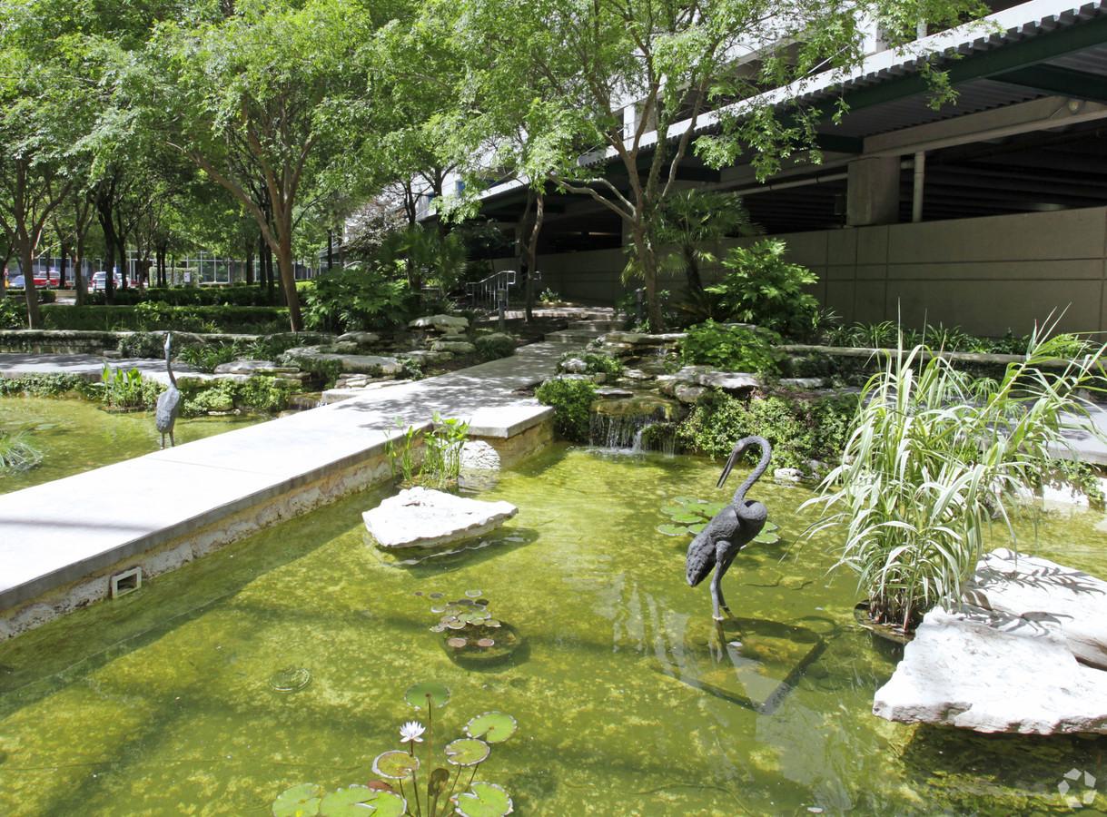 LoopNet back of building pond